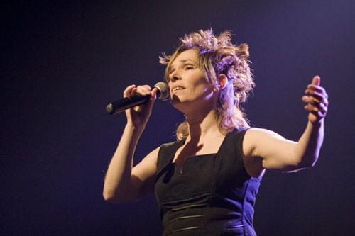 Louise Aubé en spectacle au Vieux-Clocher de Sherbrooke